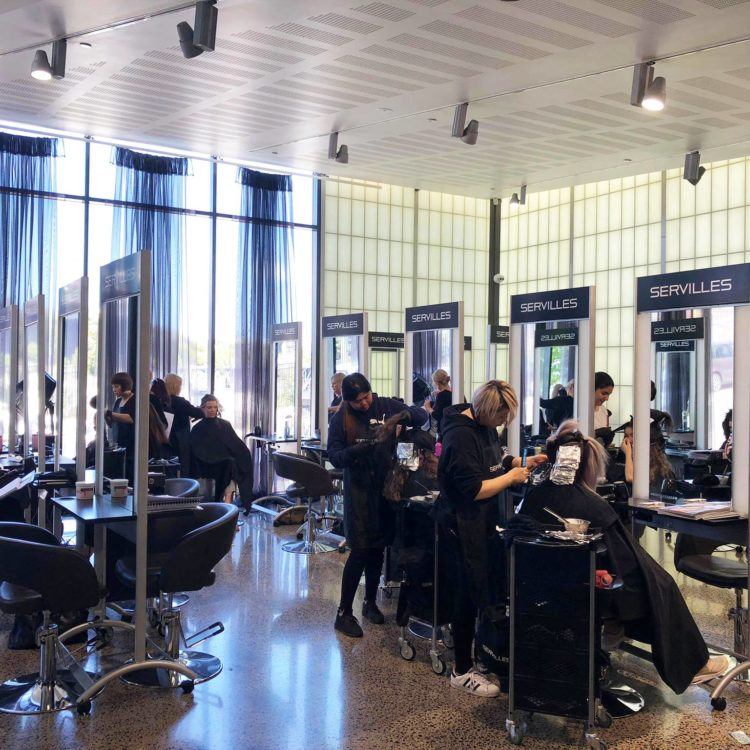 Servilles Academy Salon internal