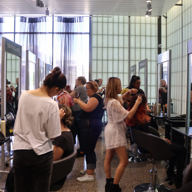 ES students in the salon
