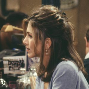 rachel-green-hairstyle-1990s-90s-friends-servilles-academy-hair