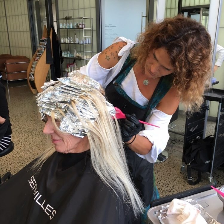 Servilles Academy colouring blonde hair with foils