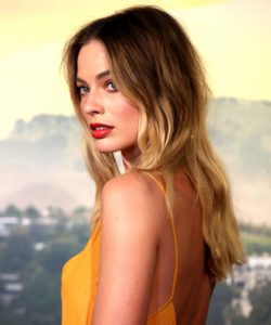 margot-robbie-blonde-livedincolour-haircolour-refinery29-servilles-academy
