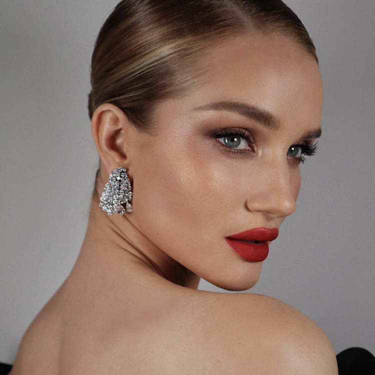 Makeup Artists you should be following instagram hung vanngo rosie hw